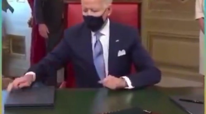 """I DON'T KNOW WHAT I'M SIGNING."" CREEPY JOE BIDEN – ""SIGN HERE."" KAMALA DEVIL HARRIS"