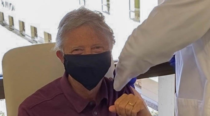 'I feel great': Bill Gates shares photo of himself getting first dose of COVID-19 vaccine